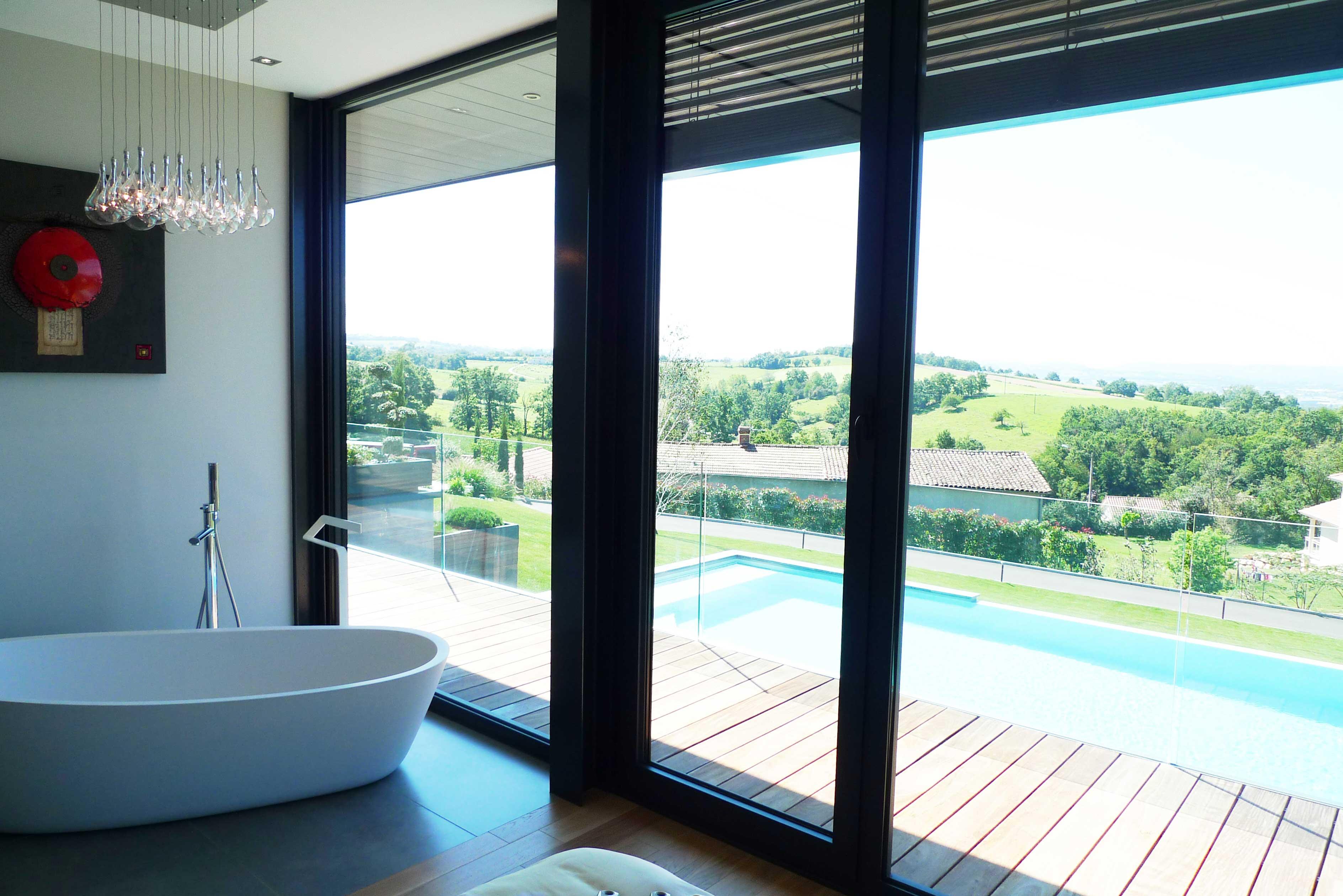 rbconcept-villa-p-baignoire-vue-piscine