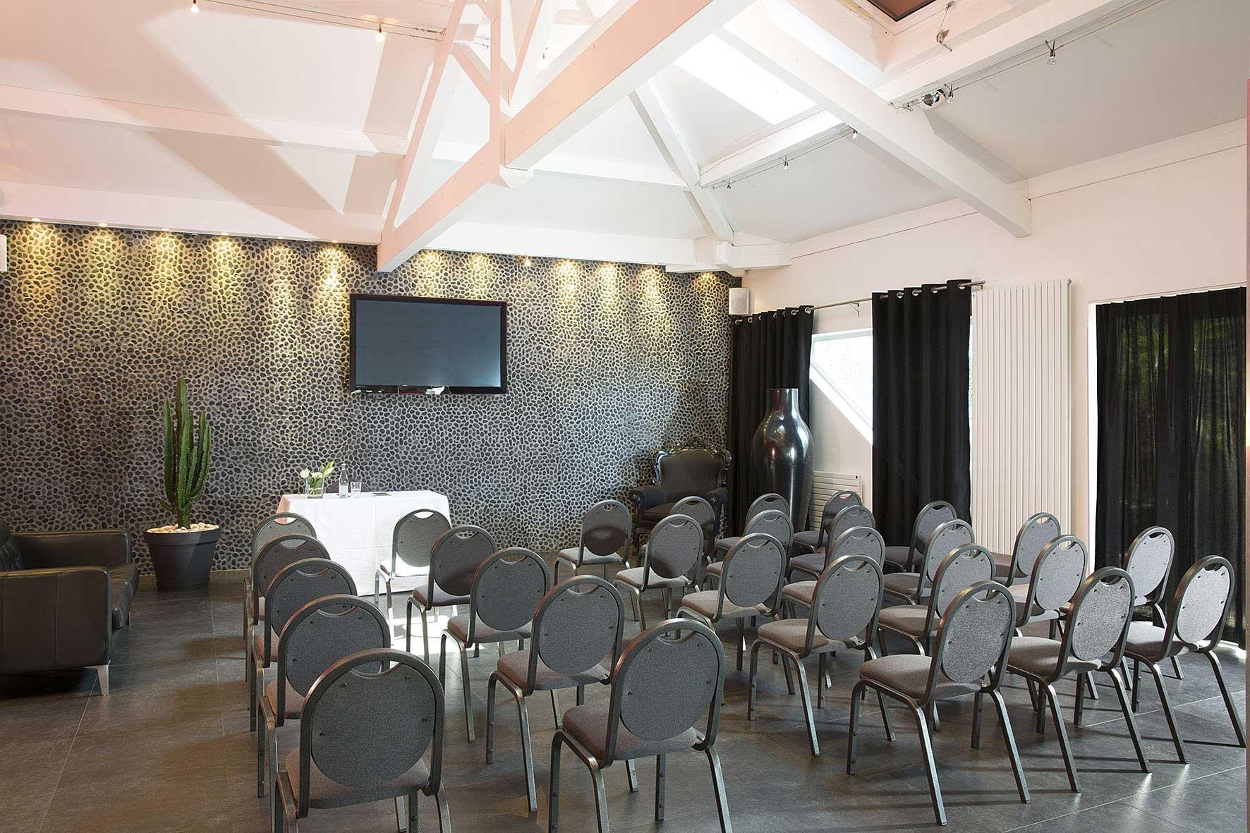 rbconcept-hotel-du-golf-albatros-salle-seminaire-decoration