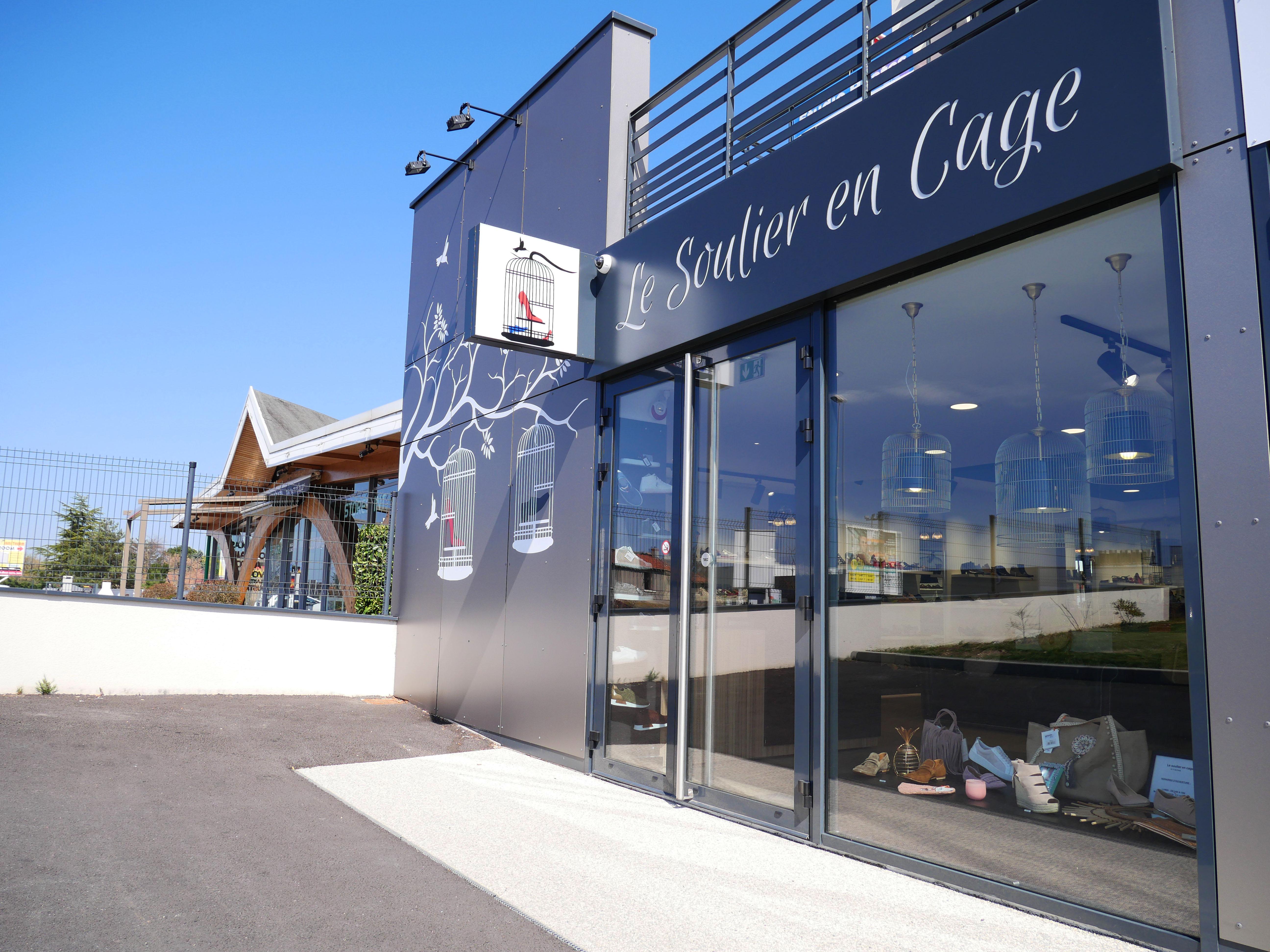 rbconcept-le-soulier-en-cage-facade-23